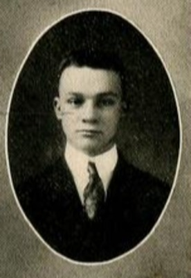 1917: W.J. Cash Delivers Commencement Address