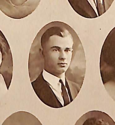 1922: Martin Dewey Whitaker Graduates